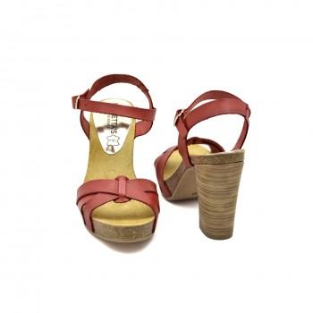 Wygodne stabilne zapinane na kostce Hiszpańskie sandały firmy Mariettas koloru czerwonego