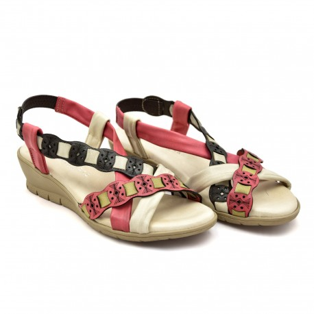 Miękkie skórzane sandały na koturnie 20754