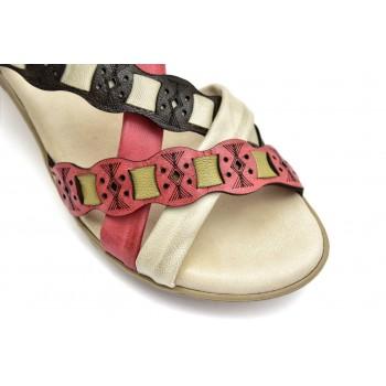 Sandałki na niewysokiej koturnie