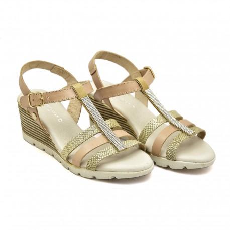 Złote sandały na koturnie zapinane koło kostki 20711
