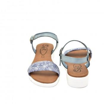 hiszpańskie bardzo wygodne sandały na niewysokiej koturnie zapinane na klamerkę