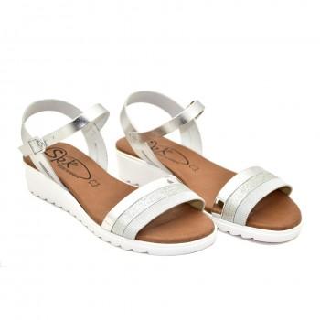 bardzo miękkie na niskiej koturęce hiszpańskie sandały białe 9226