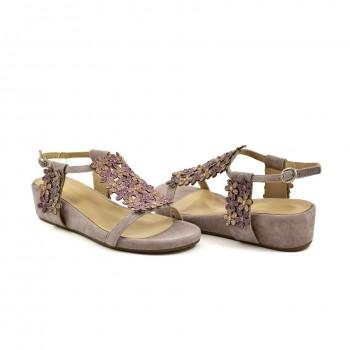 Damskie sandały o niepowtarzalnym charakterze Alma en Pena idealne na każdą okazję