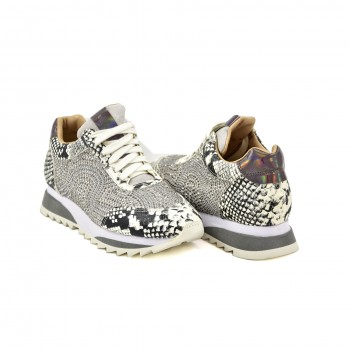 Skórzane sneakersy zdobione cyrkoniami