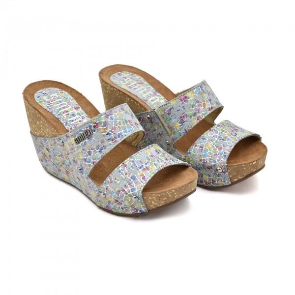 6299df693b37c Damskie buty na koturnie Simen 1572A. Wygodne letnie klapki ...